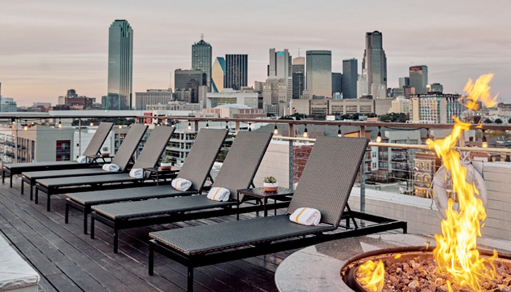Canvas Lifestyle Hotel Dallas Texas rooftop