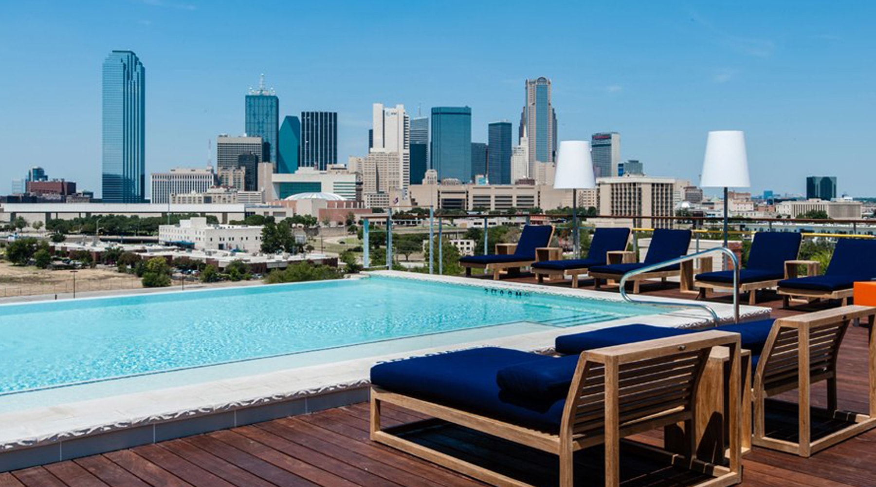 Canvas Lifestyle Hotel Dallas Rooftop pool