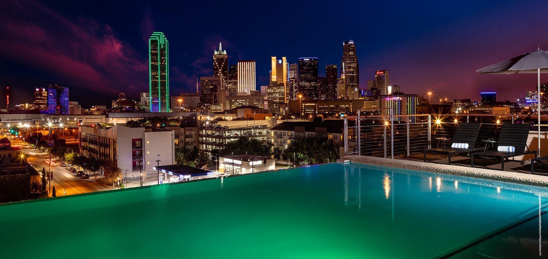 Canvas Hotel Dallas Rooftop